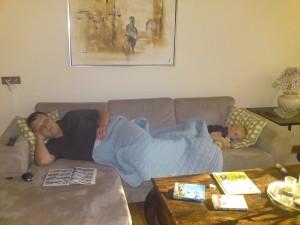 Eftermiddagsafslapning på sofaen
