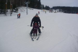 på ski med mor